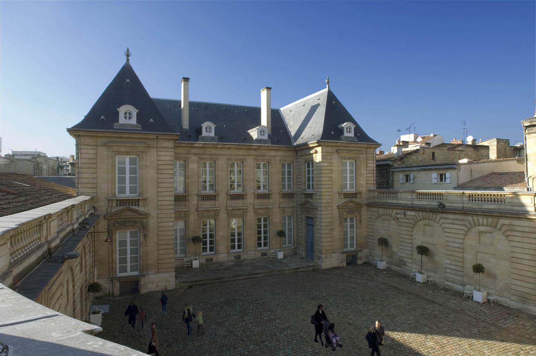Hôtel_de_Lalande_-_musée_des_Arts_décoratifs_et_du_Design.jpg